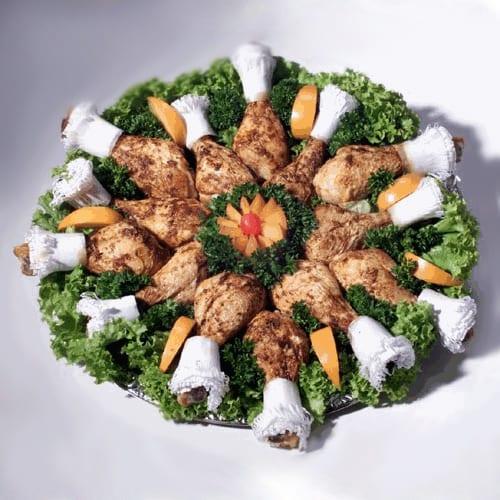 Hähnchenkeulchen für Feinschmecker mundgerecht angerichtet