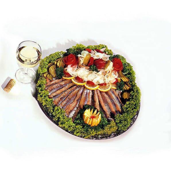 Platte mit Matjesfilet aus dem Feinkostgeschäft Rogacki in Berlin