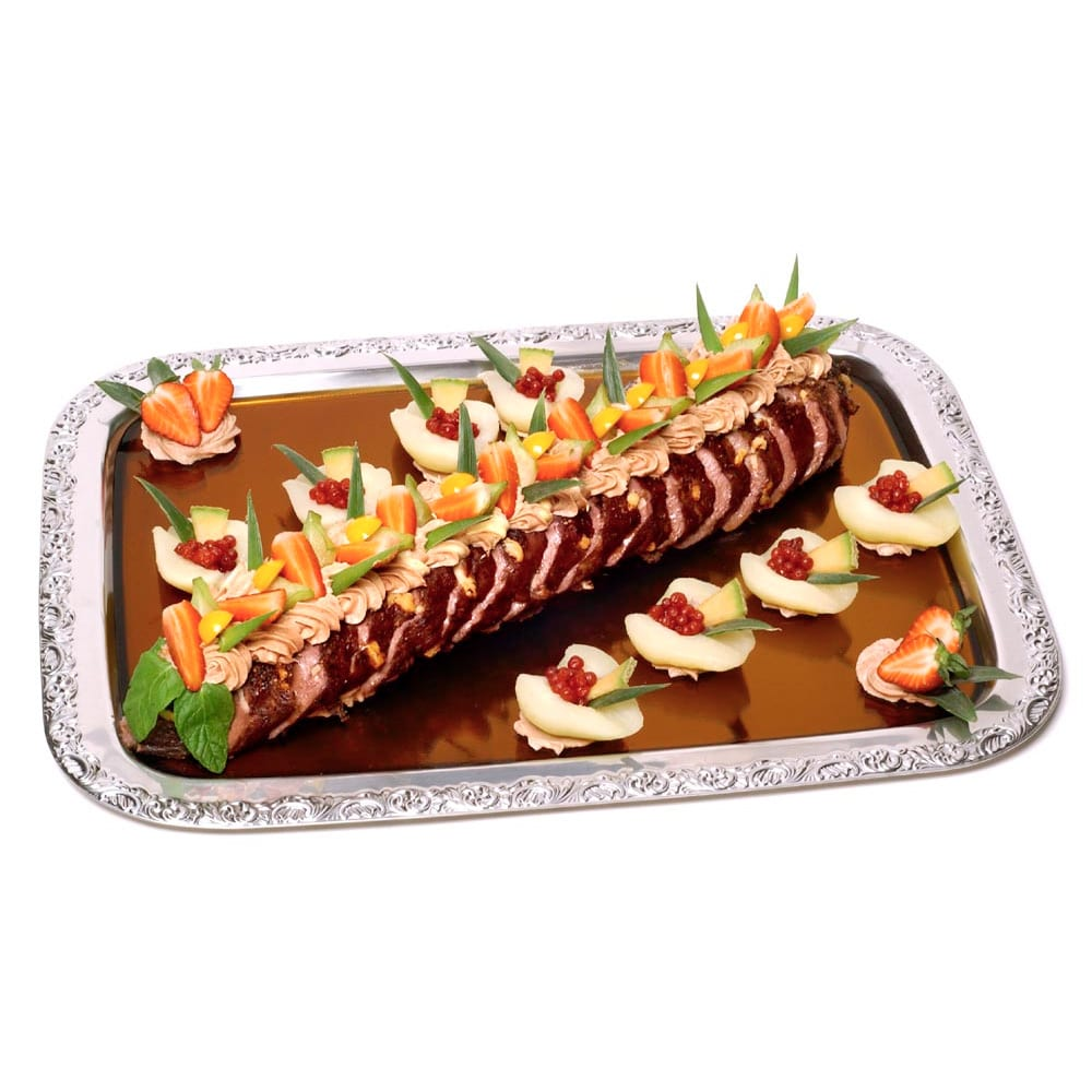 Rogacki´s Rehrücken abgebraten und mit Obst auf einer Platte angerichtet
